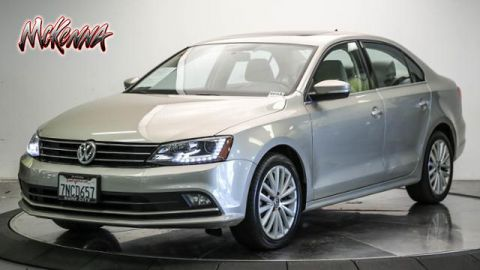 Pre-Owned 2015 Volkswagen Jetta 4dr Auto 1.8T SE w/Connectivity/Nav